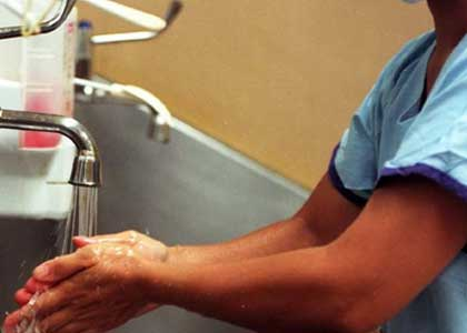 Hospitals need to scrub up on hand hygiene ... report.
