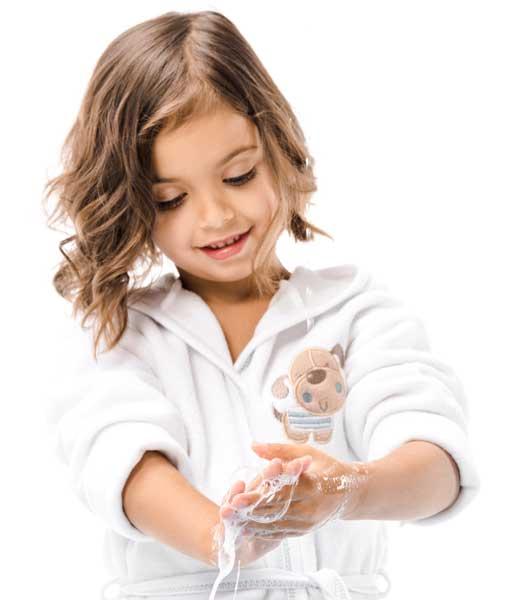 girl-washing-hands